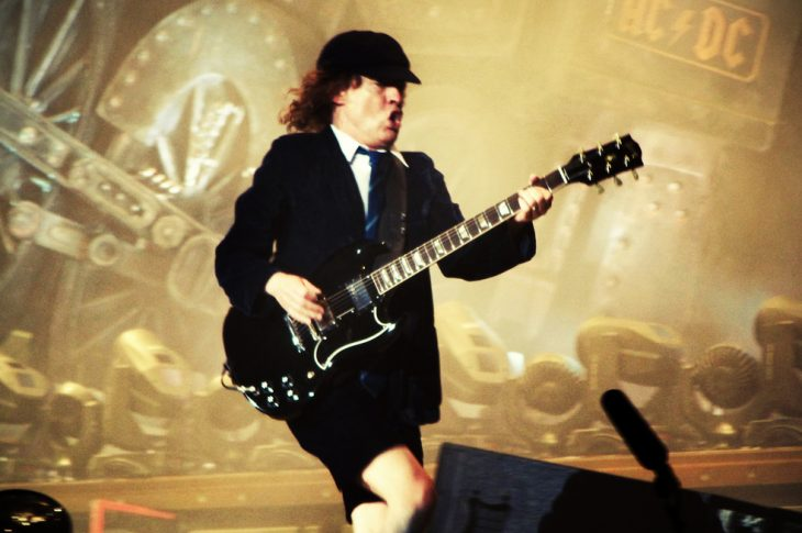 AC/DC to continue with Axl Rose